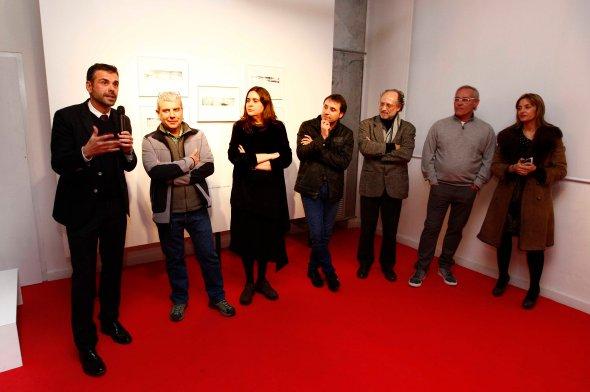 El conseller Santi Vila i el director de l'Observatori del Paisatge de CAtalunya, Joan Nogué, presenten l'exposició de Pep Mata, Andar-i-Ego